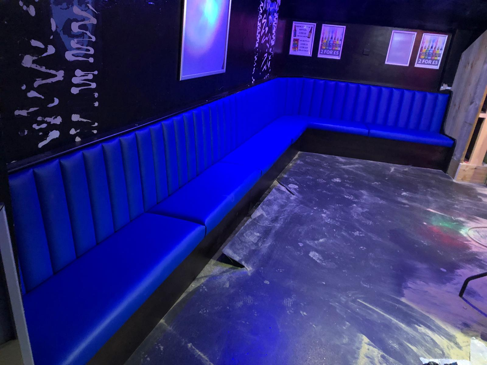 Bar Fixed Corner Seating